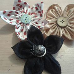 How to make Fabric flowers, as a broach or hair-slide                                                                                                                                                                                 More