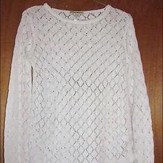 "SALE Eddie Bauer White Knit Sweater Sz XS Eddie Bauer white knit sweater size XS.  Made in Hong Kong.  55% linen, 45% cotton.  In excellent condition.  Measurements: Chest:  18""  across the front Total Length:  24.5"" Arm Length:  26.5"" Eddie Bauer Sweaters Crew & Scoop Necks"