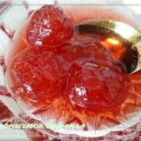 Варенье из клубники в собственном соку с цельными ягодками