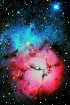 Trifid Nebula http://weareallstarstuff.tumblr.com/tagged/nebula