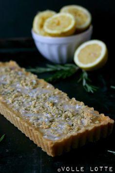 Zitronen-Tarte mit Rosmarinstreusel #ichbacksmir #streuselkuchen #streusel