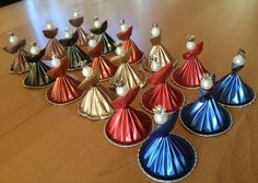 Nespresso capsules can be used in so many different ways. Christmas Tree Art, Christmas Arts And Crafts, Festive Crafts, Christmas Crafts, Christmas Decorations, K Cup Crafts, Diy And Crafts, Diy Nespresso, Theme Noel