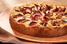 The apples, plums and cream cheese in this delectable cheesecake make a perfect flavour combination. Kraft Foods, Kraft Recipes, Apple Recipes, Syrup Recipes, Beautiful Desserts, Great Desserts, Dessert Recipes, Tummy Yummy, Dessert Aux Fruits