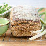 Bardzo prosty chleb na zakwasie z mąki pełnoziarnistej, delikatnie wilgotny, pięknie pachnący, idealny! Bardzo łatwy przepis szybkie