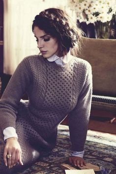 Lana- this link does not lead to anything associated with this sweater.   Maybe I can figure out the cables though....