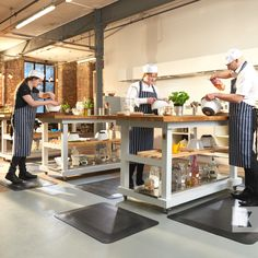Foam rubber anti-fatigue mats, an easy way to provide relief for feet, legs, muscles and joints for any worker who stands for long periods while doing their daily tasks. Beautiful Space, How To Stay Healthy, Flooring, Muscles, Kitchen, Industrial, Legs, Fitness, Cucina