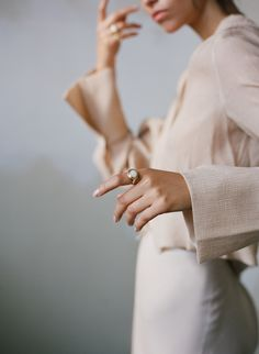 ༺ Beautiful ~ Inside and Out ༻ Jewelry Photography, Portrait Photography, Fashion Photography, Foto Website, Illustration Main, Jewelry Model, Fine Jewelry, Photo Jewelry, Jewellery