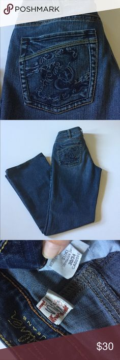 """Silver Jeans Suki Bootcut Jeans Very good condition, some fraying at hems and very minor fraying on waistband. These jeans have been hemmed to a 30"""" inseam. Medium wash, bootcut. 75% cotton, 25% polyester. Waist 30"""", rise 8.5"""", inseam 30"""". Size 30/34. Not from a smoke free house. 368 Silver Jeans Jeans Boot Cut"""