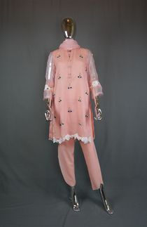 Pakistani Clothes for Women Online in USA Pakistani Clothes Online, Pakistani Outfits, Clothes For Women, Usa, Skirts, Fashion, Outerwear Women, Moda, Skirt