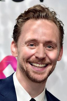 Tom Hiddleston at The Women in Film and TV Awards on December 2, 2016. Source: Torrilla. Full size image: http://ww4.sinaimg.cn/large/6e14d388gw1faeyc70u6gj211v1kwu0x.jpg