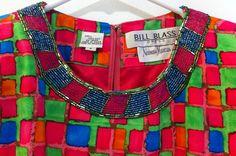 Bill Blass - Robe Mini - Motifs Rouge, Bleu et Vert - Galon de Perles - Années 80