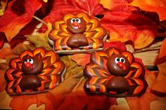 Image from http://theartofthecookie.com/wp-content/uploads/2011/11/Thanksgiving-Turkey-Cookies.jpg.