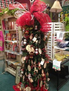 Christmas Tree and Home Decorating available with Regina Crawford at Crawford's Gifts~Athens, AL