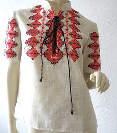 Vintage Blusen - handbestickte Leinenbluse, kurzärmelig - ein Designerstück von Na-nett-e bei DaWanda
