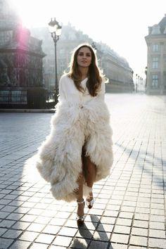 fur lust. The PERFECT winter bridal cape. LOVE it.