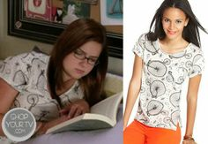 Alex Dunphy (Ariel Winter) wears this white top with allover vintage bicycle print in this week's episode of Modern Family.