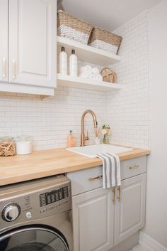 82 Remarkable Laundry Room Layout Ideas for The Perfect Home Drop Zones Waschküche Arbeitsplatte Ideen Related posts: No related posts. Decor, Interior, Kitchen Decor, Home Decor, Kitchen, Room Layout, Laundry Room Countertop
