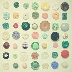 I love old buttons