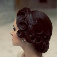 Cascading pin-curls