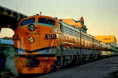 Rio Grande Zephyr in Denver, Colorado Rio Grande, Jorge Martinez, California Zephyr, Railroad Photography, Covered Wagon, Train Pictures, Old Trains, Train Engines, Diesel Locomotive