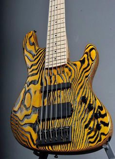 Bass Guitar Logo World Code: 1462287238 Guitar Logo, Guitar Tattoo, Unique Guitars, Vintage Guitars, Guitar Drawing, Bass Guitar Lessons, All About That Bass, Bass Amps, Cool Guitar