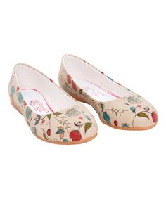 Goby Taupe Vintage Daisies Ballet Flat | zulily
