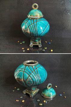 Guarda questo articolo nel mio negozio Etsy https://www.etsy.com/it/listing/521444433/urna-funeraria-in-ceramica-raku-urna