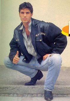 Любовь это ретро ПИК ... Ницца джинсы, промежность, куртку и сапоги!  http://bootedcowboys.tumblr.com