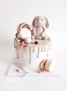 Baby Shower Cake Neutral Drip New Ideas Creative Birthday Cakes, First Birthday Cakes, Bunny Birthday Cake, Drip Cakes, Baby Shower Kuchen, Baby Shower Cakes Neutral, Baby Shower Drip Cake, Rabbit Cake, Hazelnut Cake