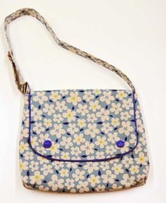 Made with Sevenberry linen floral fabric. Create your very own messenger bag in this brand new sewing class.