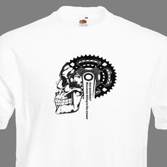 Vielen Dank für Ihren Besuch auf CycloDesignShirt-Shop! Das erste T-Shirt für echte Biker und Radfahrer. Wenn Sie wollen Radfahren Sie das T-shirt auch gefallen werden. Wenn Sie, originelles Geschenk für Ihren Freund oder Ehemann möchten ist dieses Shirt die perfekte Wahl. Design ist die Verbindung von Schädel, Kurbelgarnitur und Zitat: noch Fragen? Mountainbiken ist die Antwort . Das Shirt selbst ist eine Frucht der Loom Super Premium T-shirt, 100 % Baumwolle, in Größe Medium /Larg...