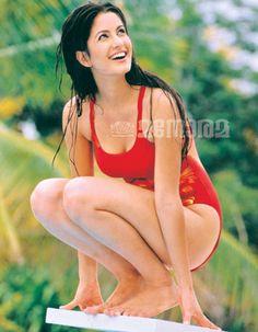 katrina-kaif-in-red-bikini