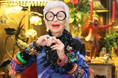 Iris Apfel-my friend Jane who works with our favorite designer Tasha Polizzi told me about Iris. When I grow up I want to be like her Love Her, Iris Apfel, Rara Avis, Aging Gracefully, Old Women, Chill, Decir No, Pumps, Fashion Types