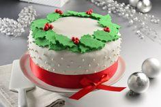 Pastel Navideño Fondant Christmas Cake, Christmas Themed Cake, Christmas Cake Designs, Christmas Cake Decorations, Christmas Cupcakes, Christmas Desserts, Christmas Treats, Christmas Christmas, Christmas Tree Chocolates