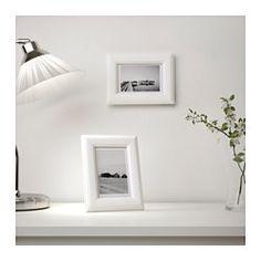 IKEA - VIRSERUM, Ramă, 10x15 cm, , Paspartu-ul pune în evidenţă imaginea şi face înrămarea mai uşoară.Paspartu cu PH neutru; nu va decolora imaginea.Se poate folosi suspendat sau aşezat pe podea, orizontal sau vertical, pentru a se potrivi spaţiului disponibil.Protecţie durabilă din plastic; cadru mai sigur de folosit.