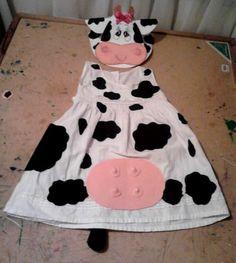Disfraz completo de vaca elaborado en foami se podría hacer con una bolsa blanca de basura. http://www.multipapel.com/subfamilia-bolsas-basura-colores-para-disfraces.htm