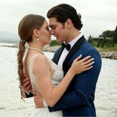 Love...♥ #yamanmirawedding #medcezir #koperçifti #serenaysarıkaya #çağatayulusoy