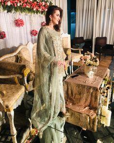 Victorian, Pakistani Actress, Mom, Actresses, Fashion, Female Actresses, Moda, Fashion Styles, Fashion Illustrations