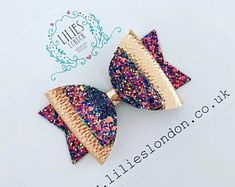 20 Pretty And Easy Ideas to Wear Butterfly Hair Clips Diy Hair Bows, Diy Bow, Bow Earrings, Butterfly Hair, Glitter Hair, Boutique Bows, Shiny Hair, Baby Bows, How To Make Bows