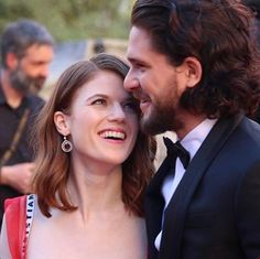 Rose Leslie and kit Harrington  Game of thrones