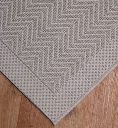 Oblong Rugs - Large Rugs - White to Beige - Indoor and outdoor herringbone design rugs in Beige and Cream 160 x 230 (5ft 3in x 7ft 7in)