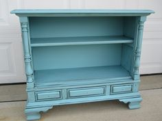DIY Small table/bookshelf from console TV (shut UP, that's adorable!) Like the paint color and glaze combo, too. From InfarrantlyCreative.net **Paint is Dutch Boy Lake Champlain. Dutch Boy paint does NOT have to be thinned to work in the Harbor Freight paint sprayer.