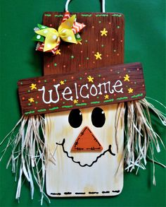 Halloween door is easy to make if you have ample creativity and ideas up on your sleeves. Look through the gallery for more such Halloween door decoration ideas. Fall Wood Crafts, Halloween Wood Crafts, Halloween Door Decorations, Thanksgiving Crafts, Fall Halloween, Holiday Crafts, 2x4 Crafts, Pumpkin Crafts, Wooden Crafts