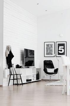 Black  White Interior - bold prints. Fresh and lovely!