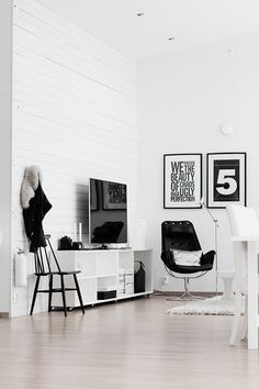 Black & White Interior - bold prints. Fresh and lovely!