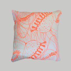 garis fluo orange by rebecca otero £51 rebecca's design is hand silk screen printed with solvent free, neon, water based inks, on a natural off white quality linen and finished to a high standard with invisible zips, cotton piping and a luxurious midnight blue. All cushions come with duck-down removable stuffing. this cushion is 45 […]