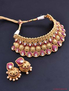 Choker Jewellery Set with Pink and White Stones