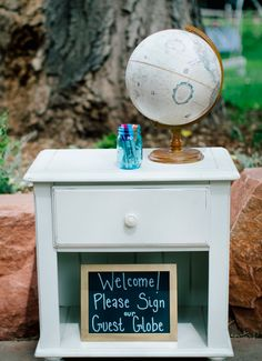 Go global with the guestbook: | 27 Travel-Inspired Wedding Ideas You'll Want To Steal