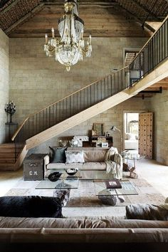 Love These Vaulted Ceilings!