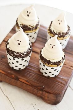 Ghost Meringue - the most amazing and cutest cookies for Halloween, sure to please both kids and adults alike with its light, airy texture and good taste | rasamalaysia.com
